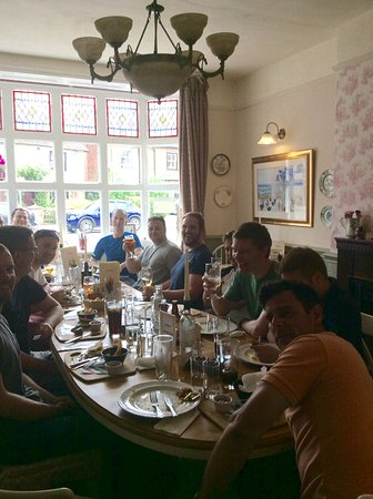 Headcorn, UK: Customers enjoying lunch in our dinnng room