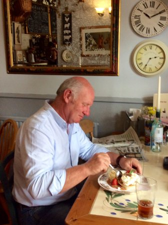 Headcorn, UK: Banoffee Pie And A Local Craft Beer In The Pantry Area Of Our Village Pub