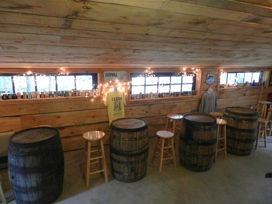 Newcastle, ME: Inside Oxbow Tasting Room