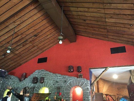 Hacienda Real El Salvador: Un agradable restaurante para degustar finos cortes, el puyuso muy recomendable y la atención fo