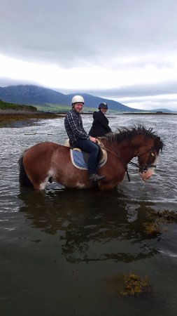 Carrowholly Stables & Trekking Centre : Beach trail ride