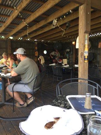 Saint Helena Island, Carolina Selatan: View towards the music man