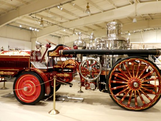 Owls Head, เมน: Early fire engine - that's alot of polishing!