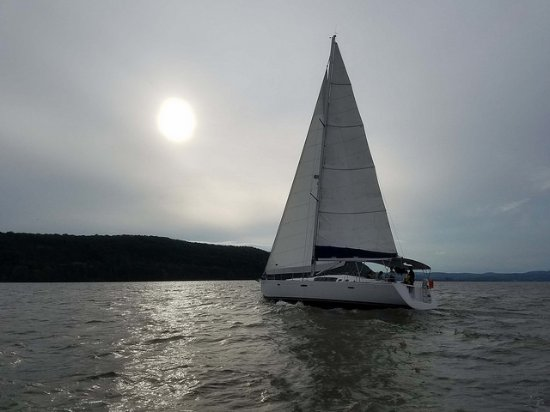 Nyack, NY: Al Vento Sailing tour... Hook Mountain in the background.