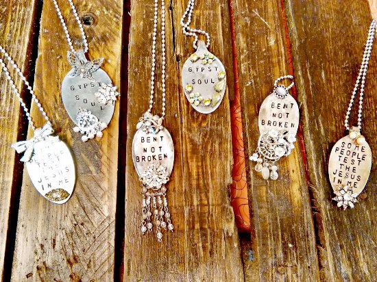 Jefferson, Τέξας: Handcrafted spoon necklaces!
