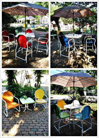 Jefferson, Τέξας: Torrans metal lawn furniture