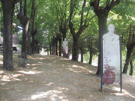 Castagnole Lanze, Italia: Percorso interno