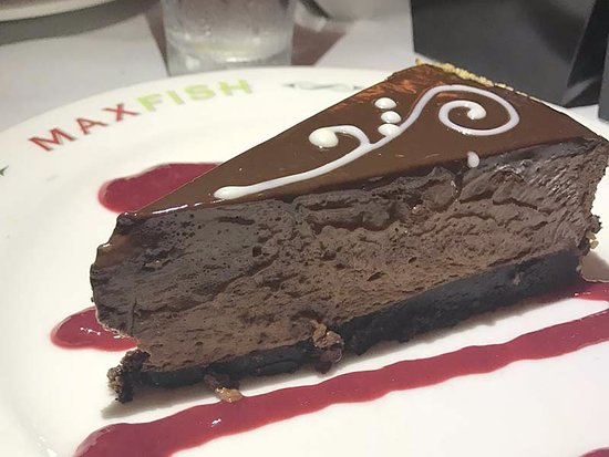 Glastonbury, CT: The deserts were excellent — look at this handsome chocolate cake. Everybody loved it.