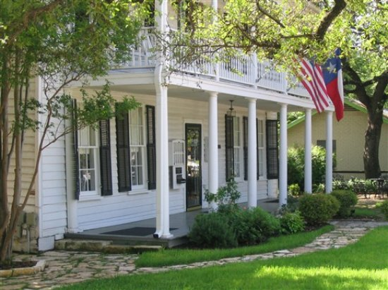 Salado, TX: Stay at a Bed & Breakfast and explore the Village by eBike!