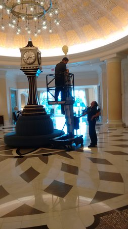 Waldorf Astoria Orlando : going beyond call of duty: baby lost balloon, floated vaulted ceiling