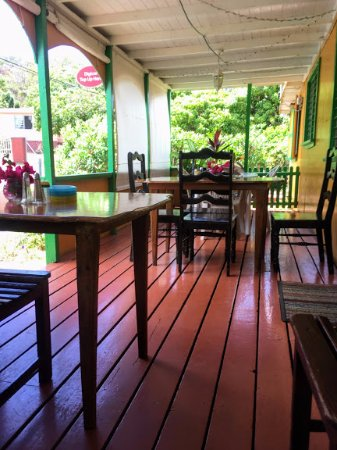 Caribbean Taste Restaurant : Outdoor Seating