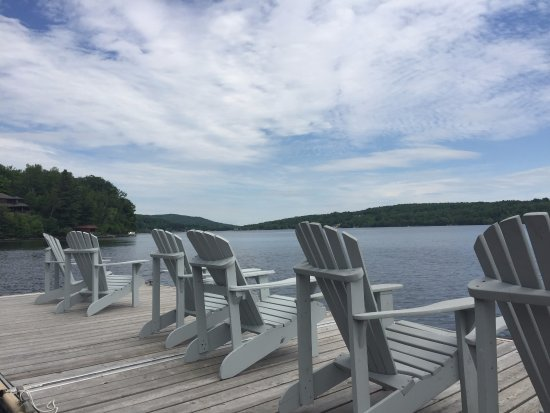 North Hatley, Kanada: sit out on the dock in lake massawippi