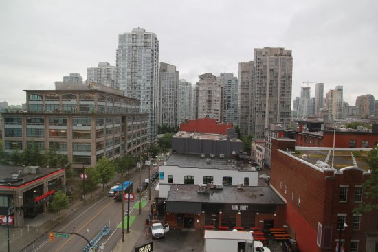 Hampton Inn & Suites Downtown Vancouver : Looking toward (part of) downtown Vancouver