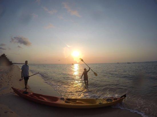 Azura Benguerra Island: kayaking