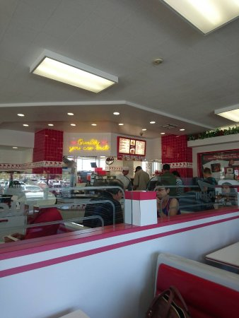 In-N-Out Burger: 1497918330269_large.jpg