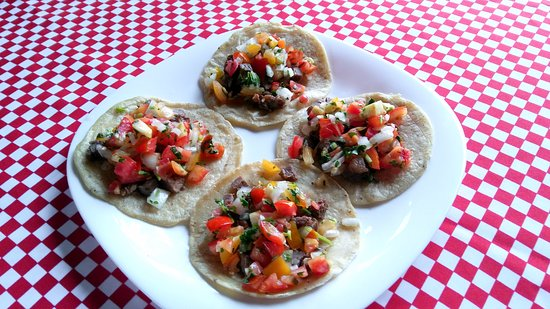 Belmopan, Belize: soft handmade corn  tortilla with the meat of your choice and pico de gallo on top