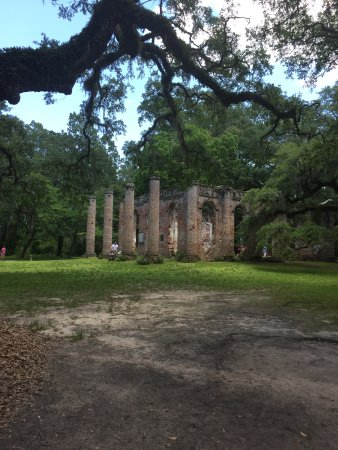 Old Sheldon Church Ruins: A beautiful place