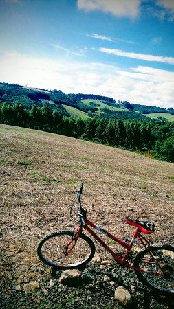 Passa Sete, RS: Apesar de ser uma pequena cidade, a zona rural tem estradas muito boas para trilhas, tanto de mo