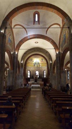 Chiesa di San Babila : Интерьер