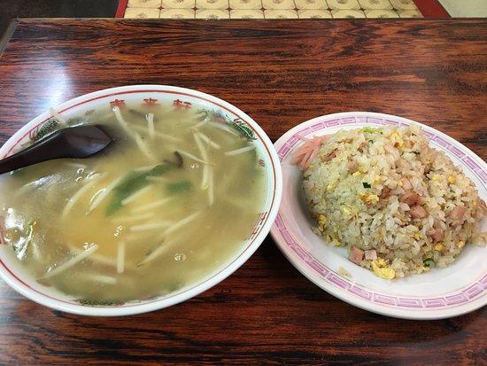 Amagasaki, Japan: 天津麺とやきめし