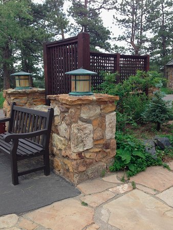 Golden, CO: Example of beautifully landscaped area around the mansion