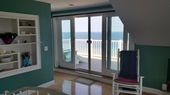 Sagamore Beach, MA: Sandtower suite with private deck