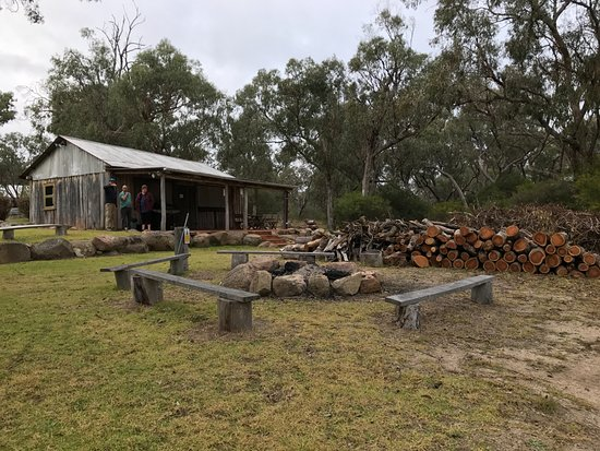 Diamondvale Cottages: Fire pit