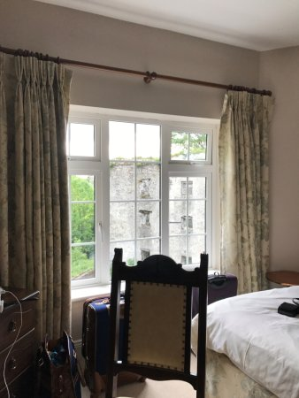 Thomastown, Ireland: peaceful view from a large comfy room