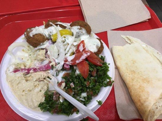 Restaurant boustan montr al 19 rue sainte catherine est - Cuisine libanaise montreal ...