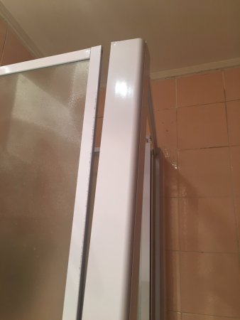 Rm 402 Also When You Open The Shower Door It Causes For Walls