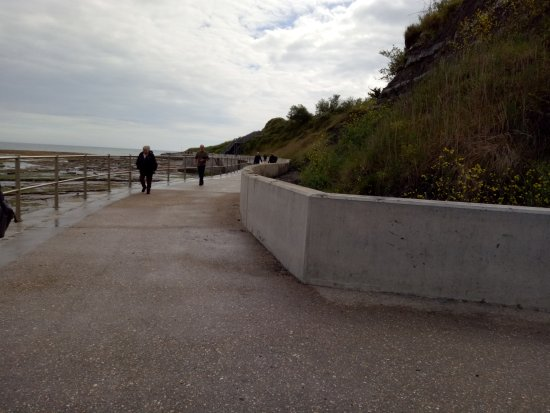 Charmouth, UK: Cliff walk