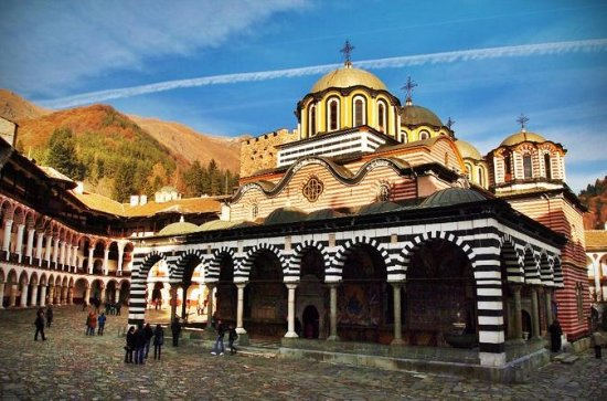 Transfer Skopje to Sofia with visit...