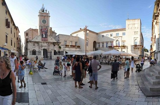 Zadar: 2-Hour Walking Tour From Roman...
