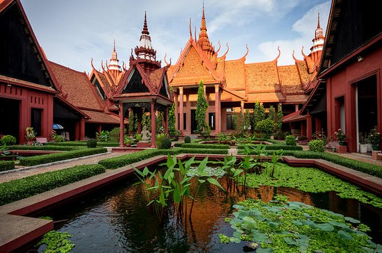 Half Day Phnom Penh Tour by Cyclo