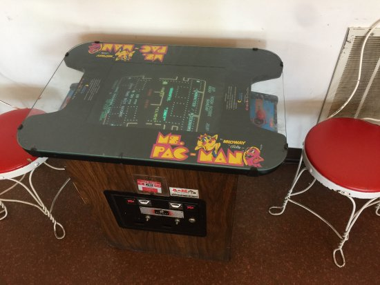 North Augusta, Carolina del Sur: Ms. Pac-man, the only game my wife can beat me at