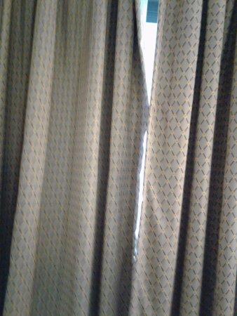 Oxford, AL: curtains