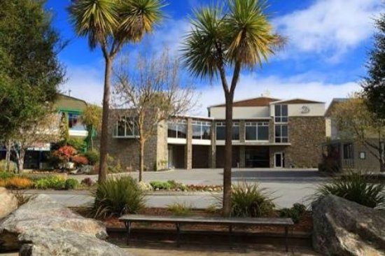 Picture of distinction te anau hotel and for Distinctive villas