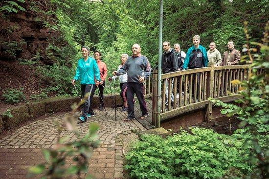 Heilbad Heiligenstadt, Almanya: Nordic Walking durch den Kurpark