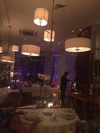 Paradisus Cancun: Tempo Restaurant - Very Elegant!