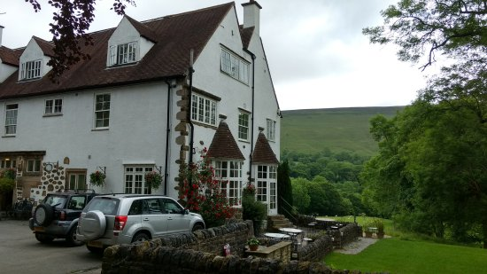 Hope, UK: Quiet rural location, cosy rooms with all facilities and a great restaurant.