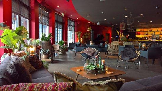 Sassenheim, Países Bajos: OZZO Oriental & Lounge