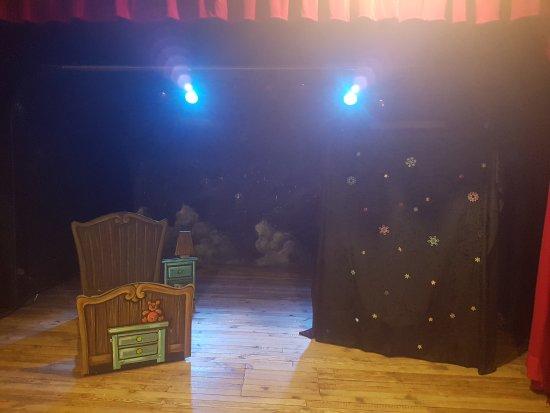 Bateau Theatre - Le Nez Rouge