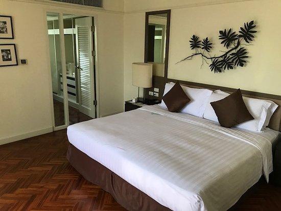 Zdjęcie Phachara Suites