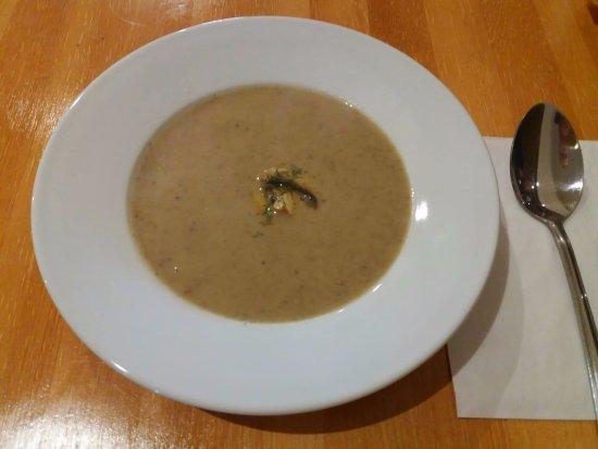 Peterhead, UK: Creamy mushroom soup.