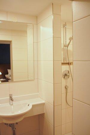Amtzell, Germany: neues Bad Komfort Zimmer
