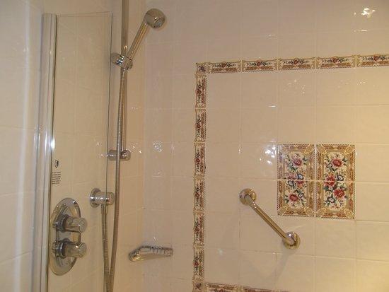 Lymm, UK: Shower