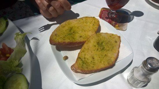 La Gran Paella Valenciana: Garlic bread