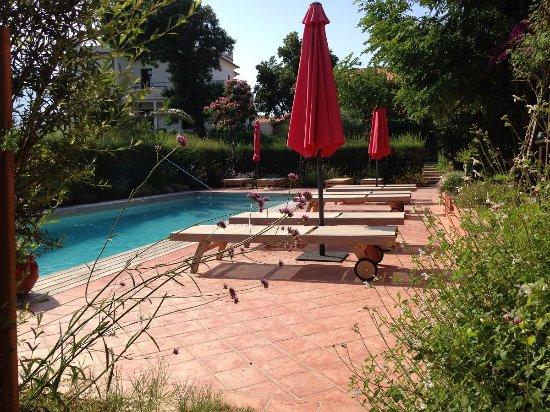 Ortaffa, فرنسا: Piscine Clos des Aspres - Maison d'hôtes de Charme