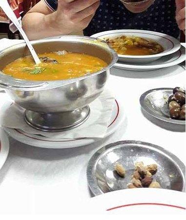Almeirim, Portogallo: nota-se ausência de mais enchidos ( que caracterizam a sopa)