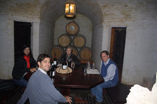 Constantia, Sudáfrica: Tasting room - Duggie's Dungeon